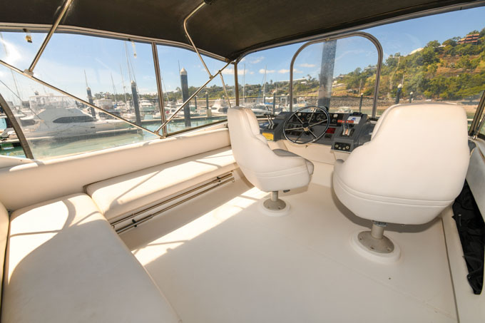 Bayliner 4388 Flybridge Cruiser